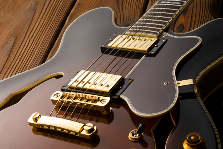 22 Types of Guitars: The Definitive Guide (With Pictures)